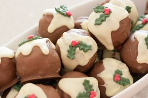 Christmas Pudding Oreo Truffles